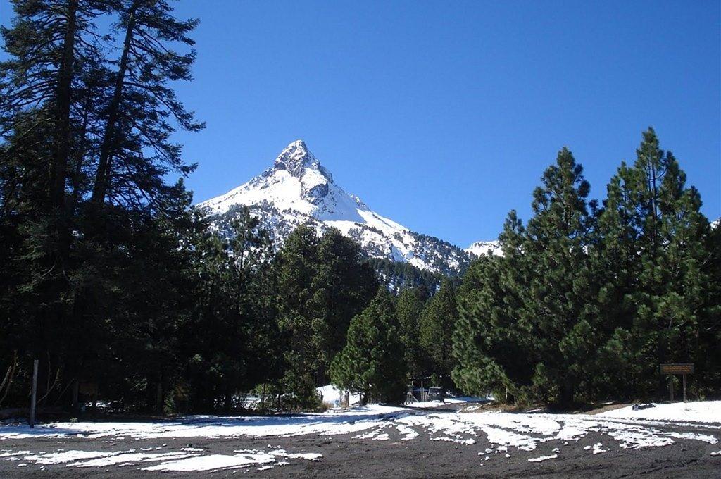 Reabren acceso al Nevado de Colima