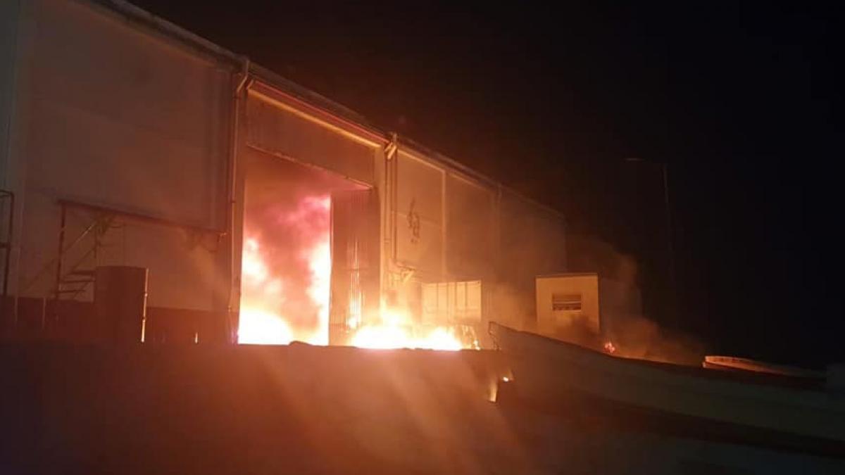 Se registró incendio en hangar de Semar y Pemex en Dos Bocas