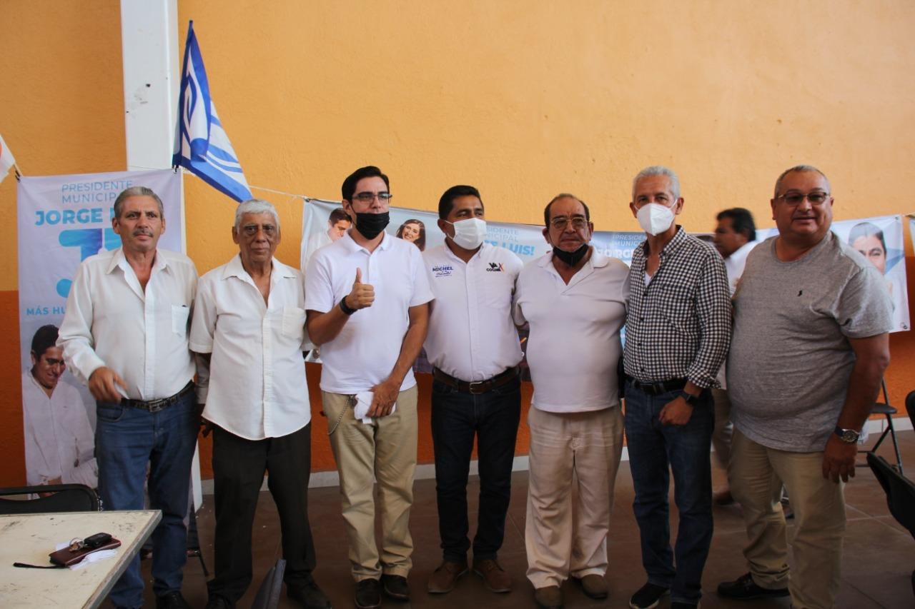 Sostiene encuentro Oscar Ávalos con Alianza de Taxistas Ramón Aguayo