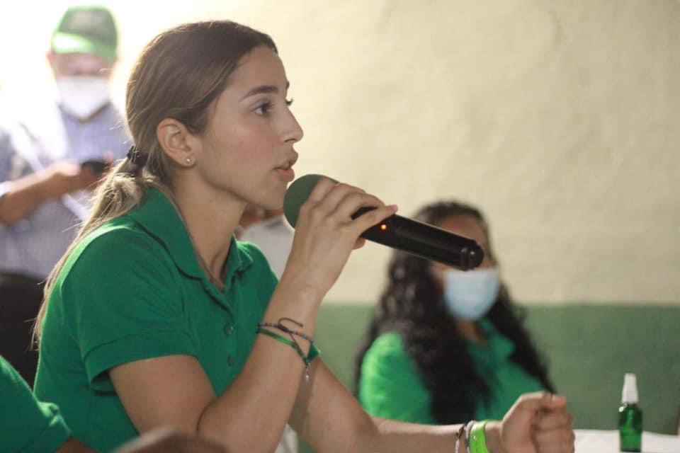 Legislaré para que los beneficios sean con acciones y hechos favor de la gente: Adriana Ramírez