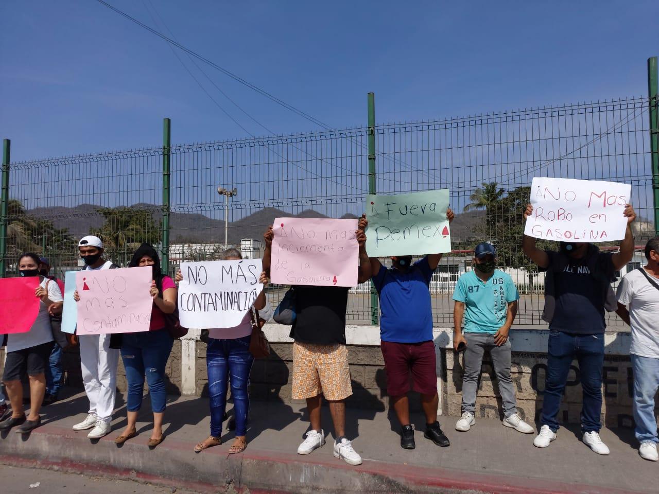 """Manifestación de trabajadores contra """"Gasolinazos"""" y Pemex"""
